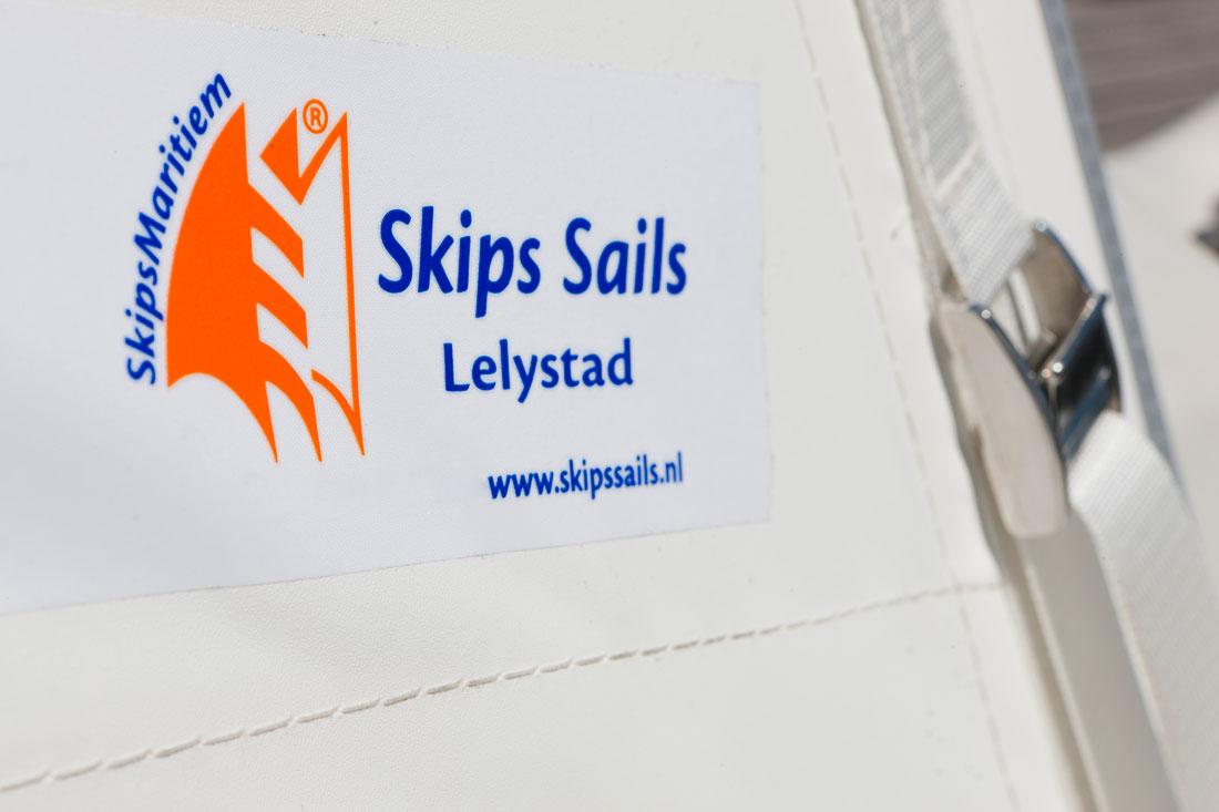 skips sails rigging